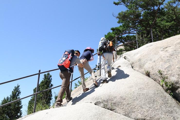 사패산 등반하는 모습.JPG